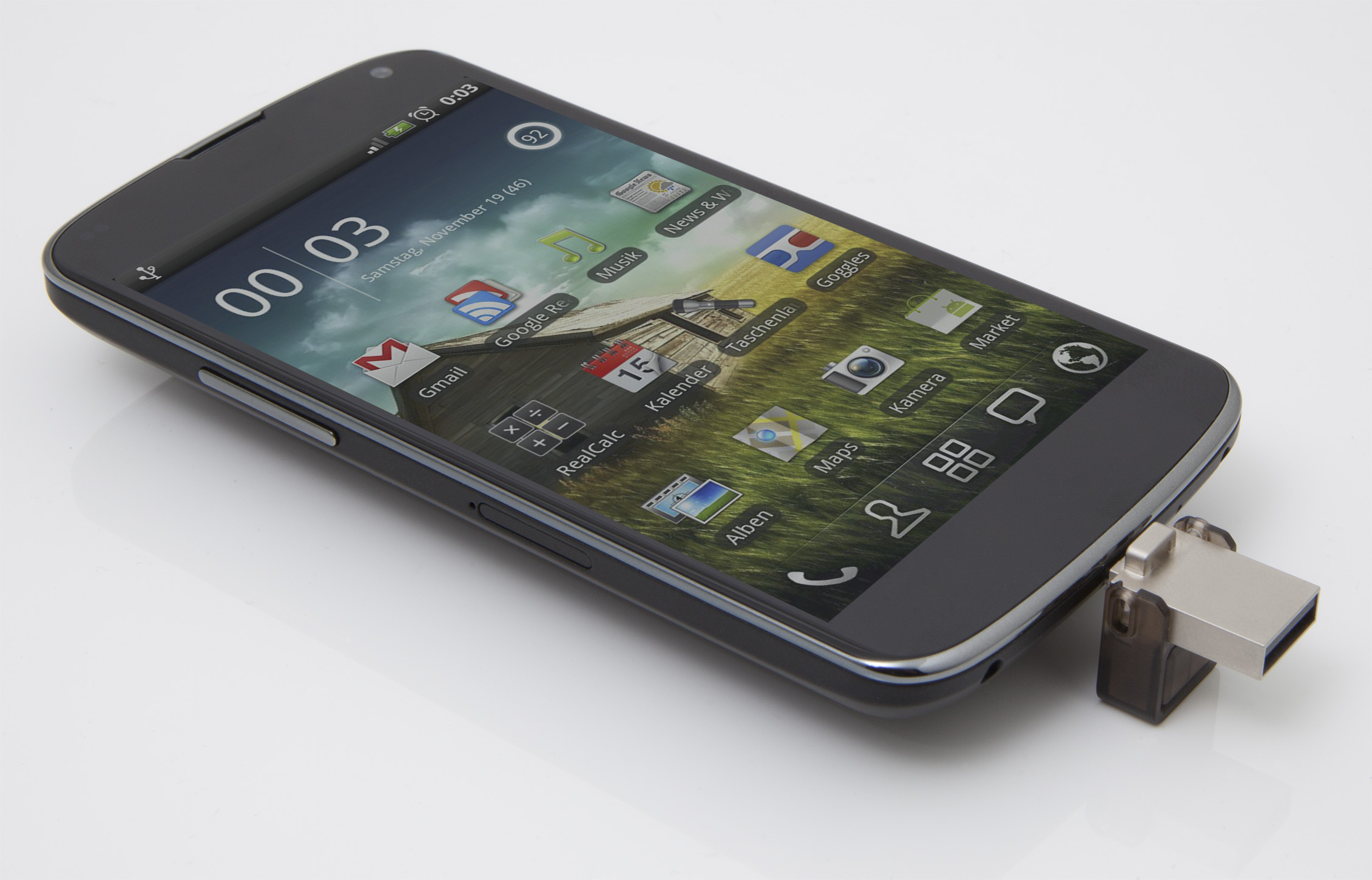 DataTraveler microDuo Usage Image_DTDUO-cellphone_28_02_2014 00_00